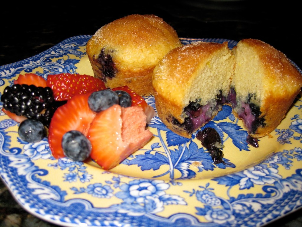Blueberry Muffins with Doughnut Topping