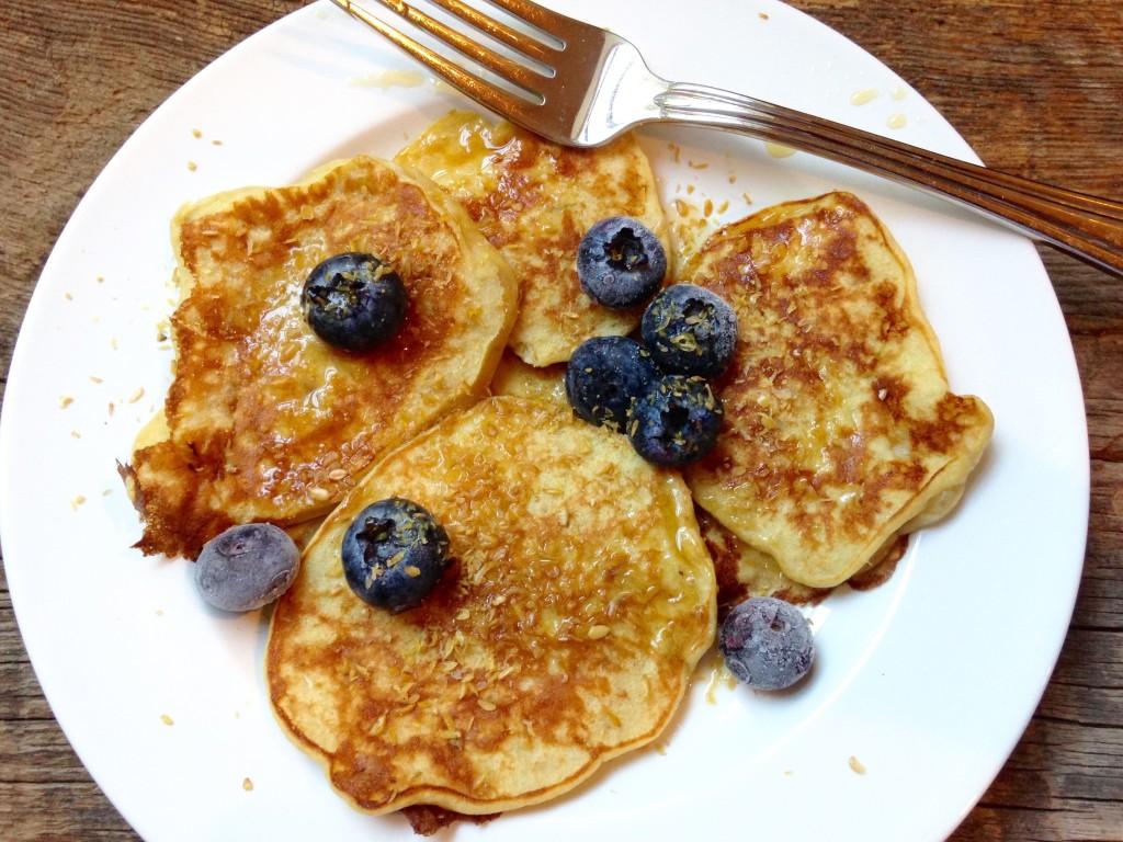 3 ingredient whole wheat banana pancakes